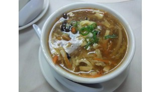 Vegetarian Spicy Sour Soup (hot)